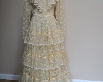 1970 Lace Wedding Dress   70s Vintage Wedding Dress