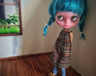 Vanity ~ custom doll ~ ooak ~ fashion doll ~ blythe doll ~ big eyes ~ bambola ~ blue hair ~ translucent skin.