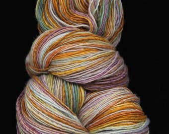 "Handspun Yarn Gently Thick and Thin, fine - sport weight - 490m, Single Ply Yarn  Merino Wool "" Dragon farby """