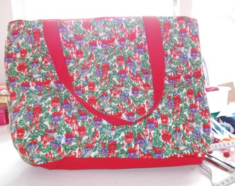 Red Fuchsia Flower and Humming Bird Tote Bag