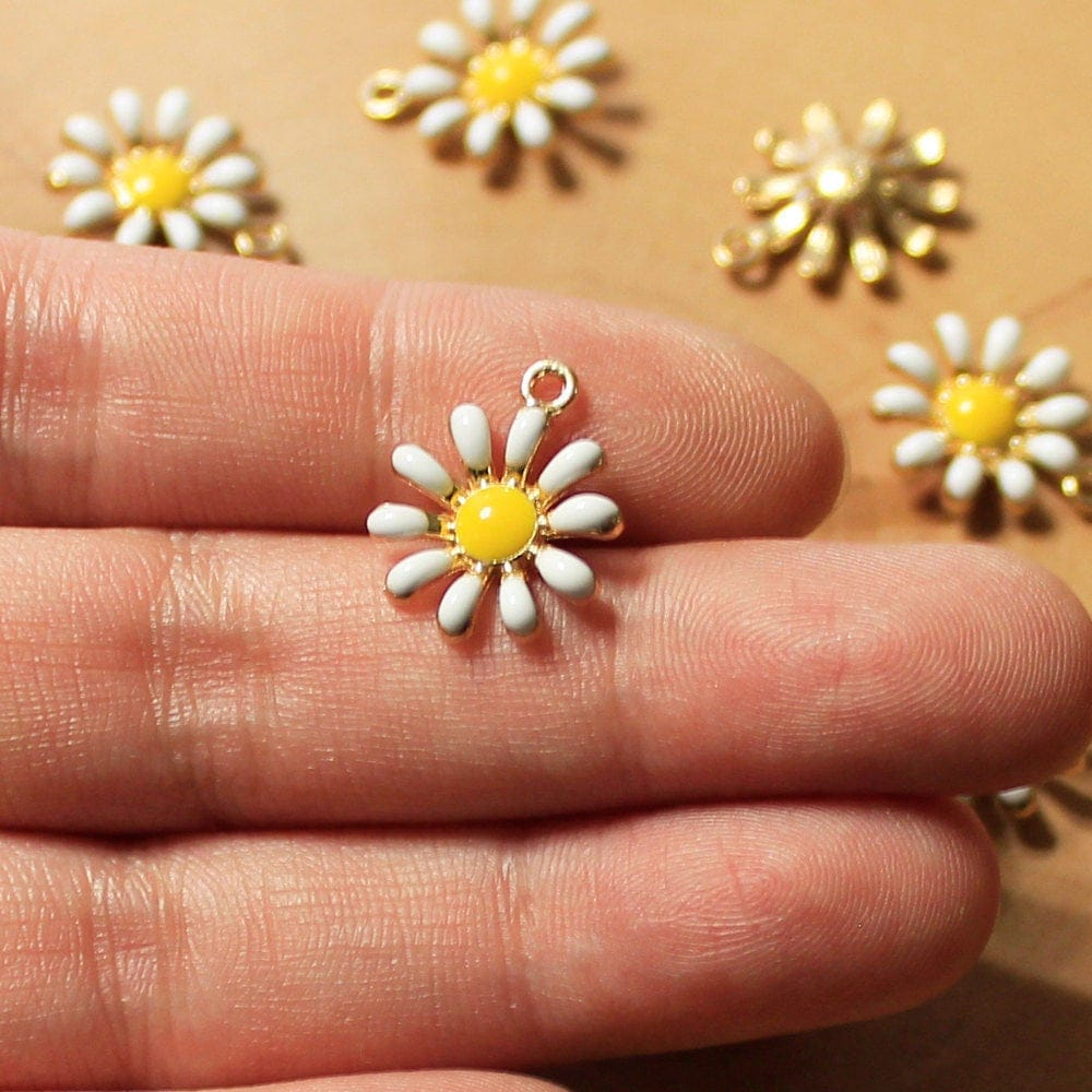 Daisy Charms Enamel Charms Flower Charms Gold Tone Charms