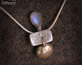 Silver Necklace whit moonstone in drop - collar colgante dije de Piedra Luna.