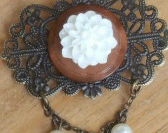 Antique Gold Filigree, Button, Flower Pin