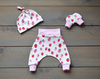 take home outfit strawberry pink, newborn girl take home outfit, strawberries outfit, strawberry baby outfit, strawberry infant outfit