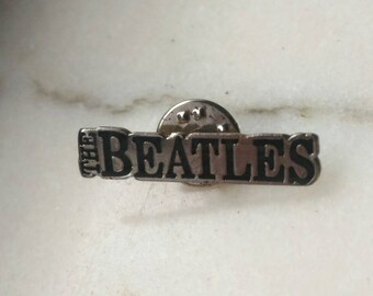 Beatles, vintage Pins 90s , stock found .