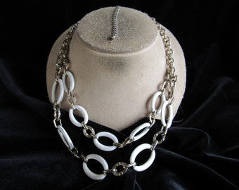 Vintage Chunky Silvertone White Enameled Chain Style Necklace