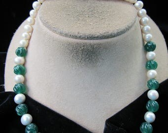 Vintage Green Glass Beaded Faux Pearl Necklace