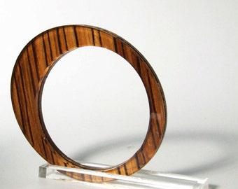 Oval bracelet wood