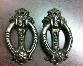 Vintage Drawer Knobs   2 Metal Door Pulls   Ornate Furniture Hardware    Victorian Decor Handles