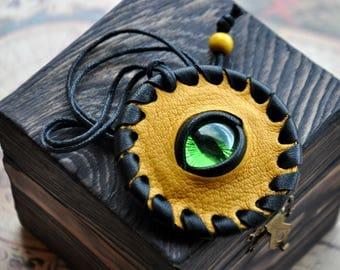 fantasy yellow pendant with eye, green eye, dragon eye, fantasy cosplay handmade, snake eye, fantasy necklace