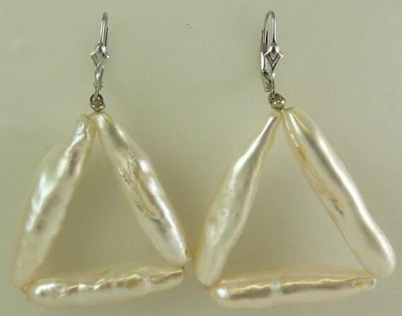 Freshwater White Pearl Earring 14k White Gold Lever Backs