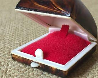 Box ring vintage / vintage ring box.