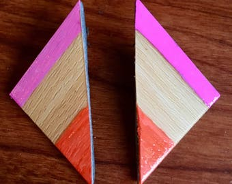 Faux Bois Woodgrain Triangle Earrings with Pink and Orange Accents