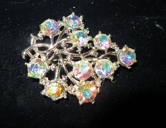 Lovely vintage  aurora borealis  rhinestone  brooch