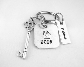 New Home Houswarming Gift, Realtor Client Custom  Name Keychain, First Time Homeowner Personalized Keyring,