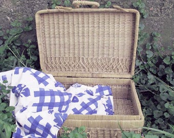 Natural Woven Wicker Picnic Basket, Vintage Wine and Cheese basket, Home Decor, Accent Piece