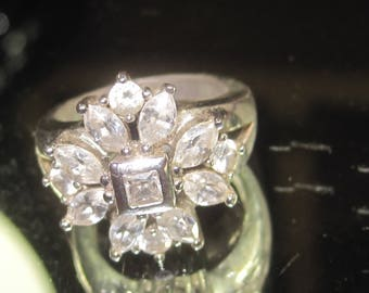 E-68 Vintage  Ring  size 6 1/2