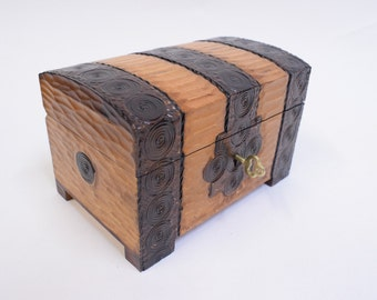 Handmade Wooden Chest/Jewellery Box/Keepsake Box/ Lockable Wooden Chest/ Handcarved wooden box