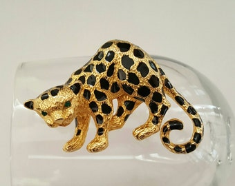Spotted Leopard Pin