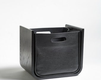Newspaper collector ash solid black with leather bag