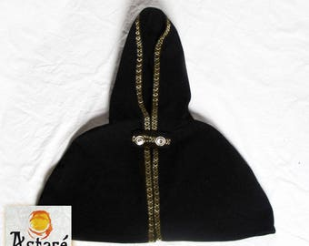 Cape / hood in Black wool