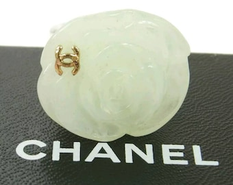 CHANEL ring camelia in pale green with CC logo