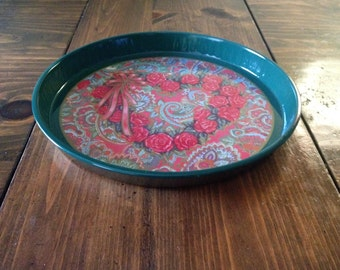 Vintage 80s Round Tray Nobell Hall Green Rose Shabby Chic Serving Drink Beverage Food Floral Metal Enamel Paisely red flowers bow heart