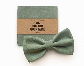 Bow Tie and handkerchief sage green for men, man's gift, wedding accessory, groomsmen gift - pre-tied and adjustable bowtie - 100% Cotton