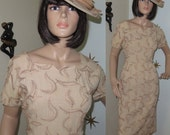 SALE! Vintage 1950s tan linen embroidered wiggle dress with hat medium 324