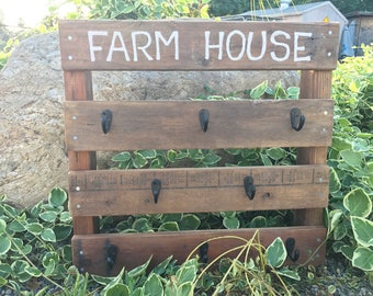 "Pallet Coffee Cup Holder, ""FARMHOUSE"""