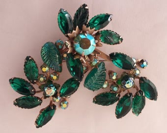 Vintage Green Jeweled Brooch 1950's