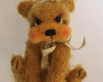 Mohair Artist Bear Christmas Teddy by Chicago Bear Co: Gwynnie