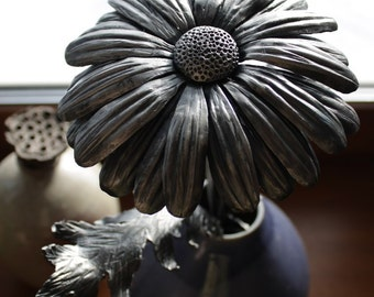 Forged daisy