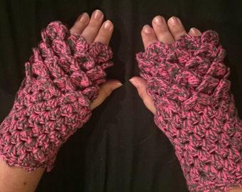 Crocodile Stitch Fingerless Gloves made with 100% cotton yarn