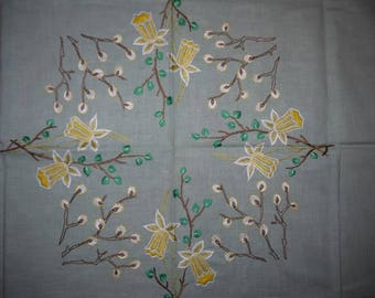 Embrodery - Spring - Narcissus - Willow - Table cloth - Mid Century - RETRO - Hand craft - Sweden