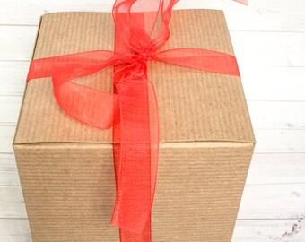 Gift box, coffee mug gift box, philly mean mug gift, gift wrap