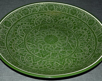 """Lyagan dishes (ceramic dishes with green glazes and needle-painted """"suzane"""")"""