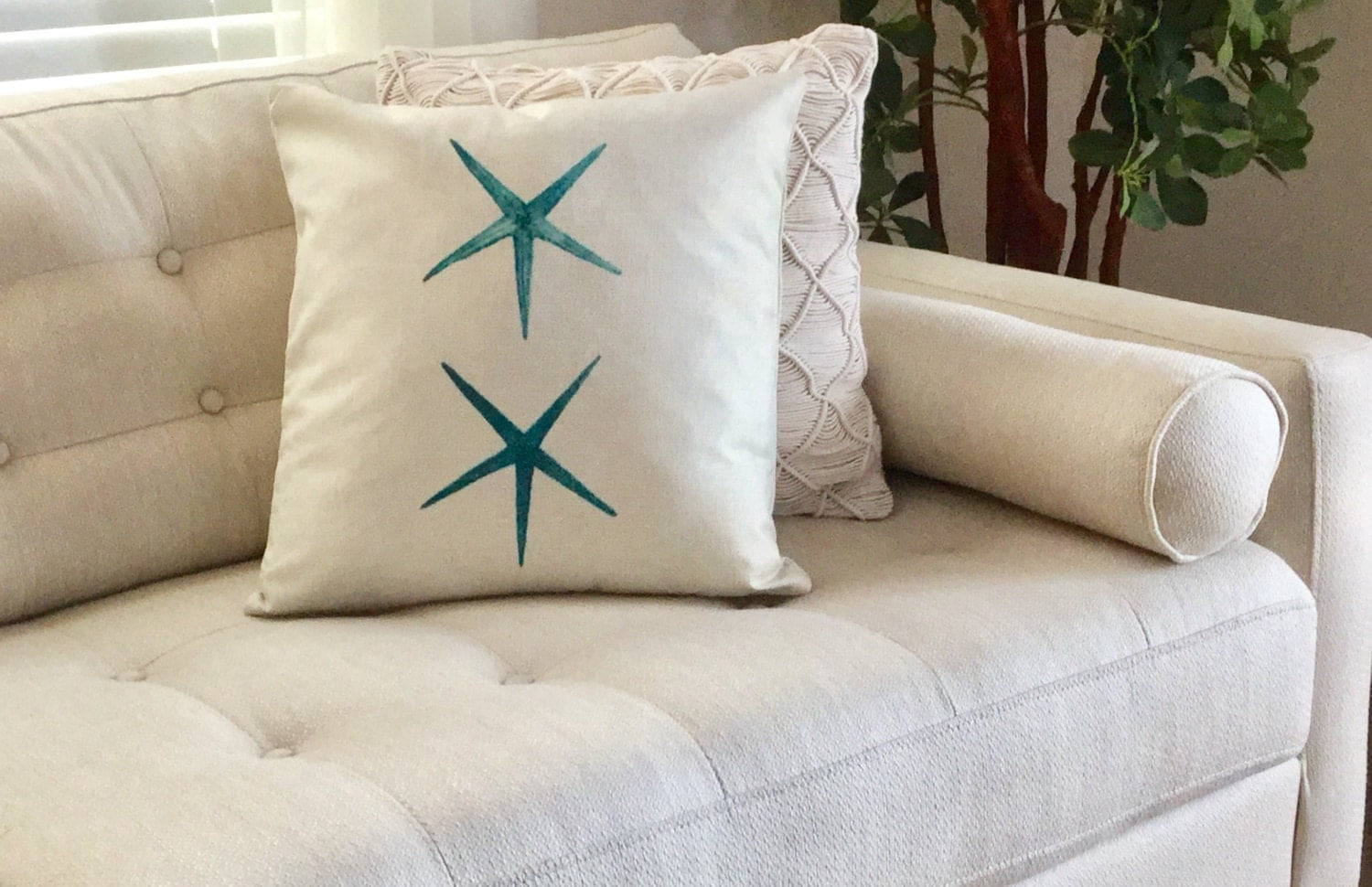 STARFISH Decorator Accent Pillow. FREE Pillow Form/Insert..