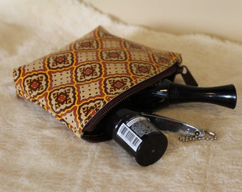Vintage style zipped leather change purse