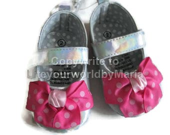 Baby Girl Shoes, Bows , Baby girl shoes, girl shoes, first shoes, size 2 baby girl, soft sole shoes,
