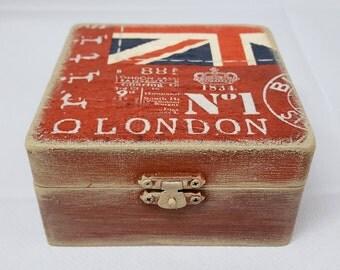 London Vintage Jewellery box, Decoupage Wooden Box by Cinzia Mancini Art
