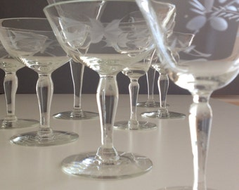 Vintage Champagne Flutes,Mismatched,Etched Champagne Glasses,Etched,Coupes,Etched Stemware,Glassware,Set of Seven (7),Clear,Wedding