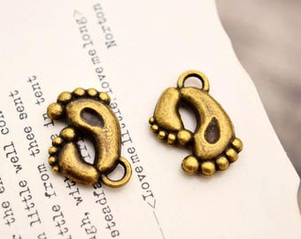 20 antique brass foot charms footprint charm pendant pendants YQ3