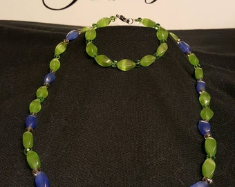 Green and blue beaded necklace andbraetet combo.
