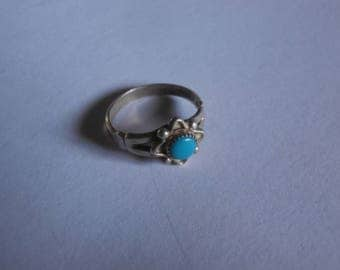Vintage small size 6 blue turquoise natural stone ring sterling silver native southwestern style