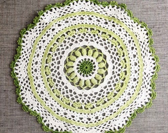 Vintage Crochet Doily, handmade green and white cotton doily, vintage doilies, vintage lace
