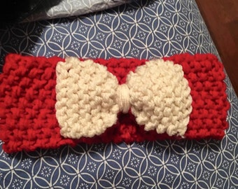 Knitted headband with bow