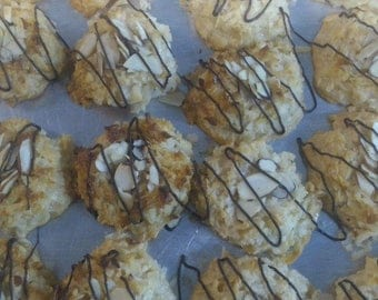 Chewy Coconut Almond Macaroons