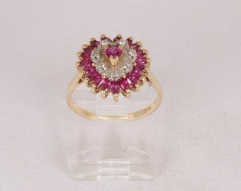 14K Yellow Gold Ruby and Diamond Cluster Ring, 3.5 grams, size 6