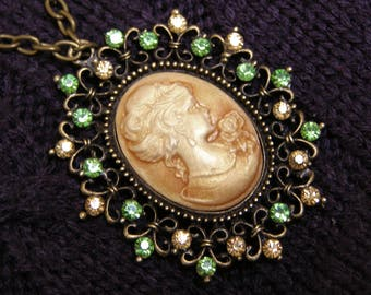 Lady cameo necklace vintage style victorian style beige cameo pendant with rhinestone necklace cameo jewelry green